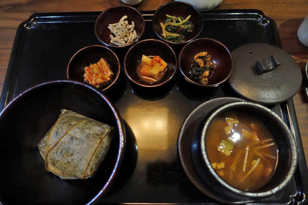 韓国・ソウル『鉢孟供養/BALWOO GONGYANG(パルコンヤン)』 韓国精進料理 ☆