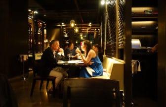 海外レストランのメール予約に使える英語例文集