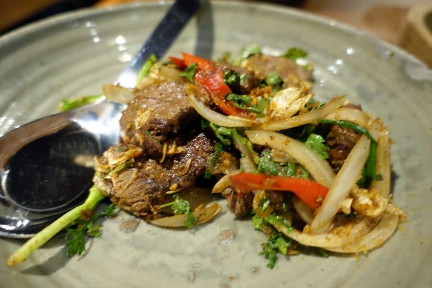 タイ・チェンマイ『サムエイ&サンズ(Samuay & Sons)』タイ東北地方(イーサン)料理