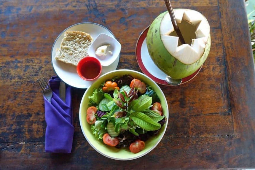 バリ島ウブドのローフード。美味しいオーガニック・カフェ&レストラン5選