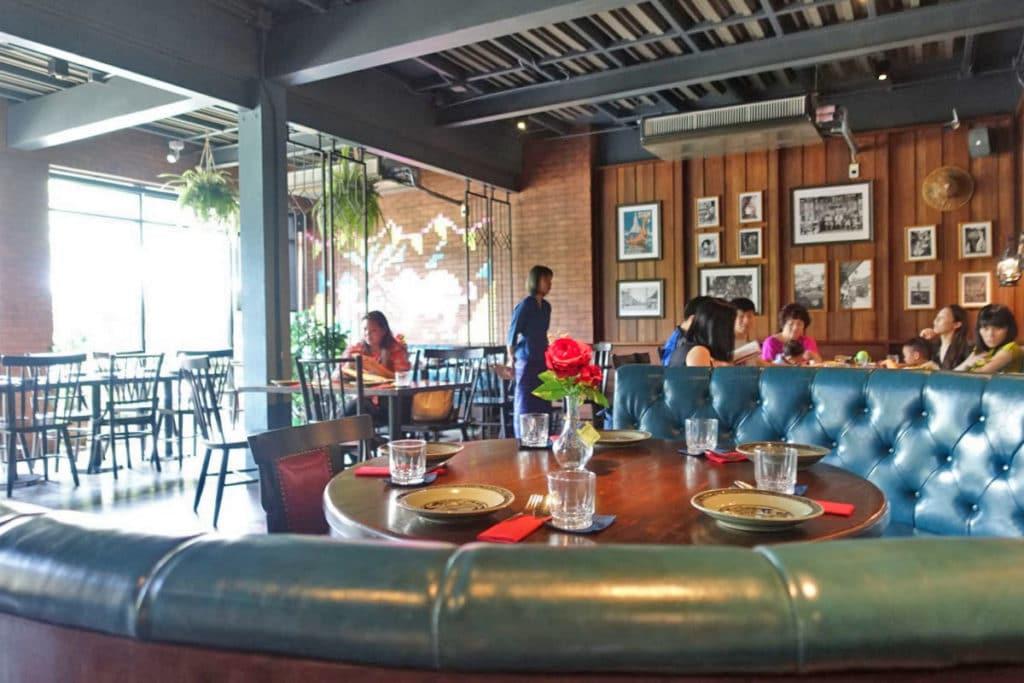 タイ東部料理『シー トラート レストラン&バー』@プロムポン