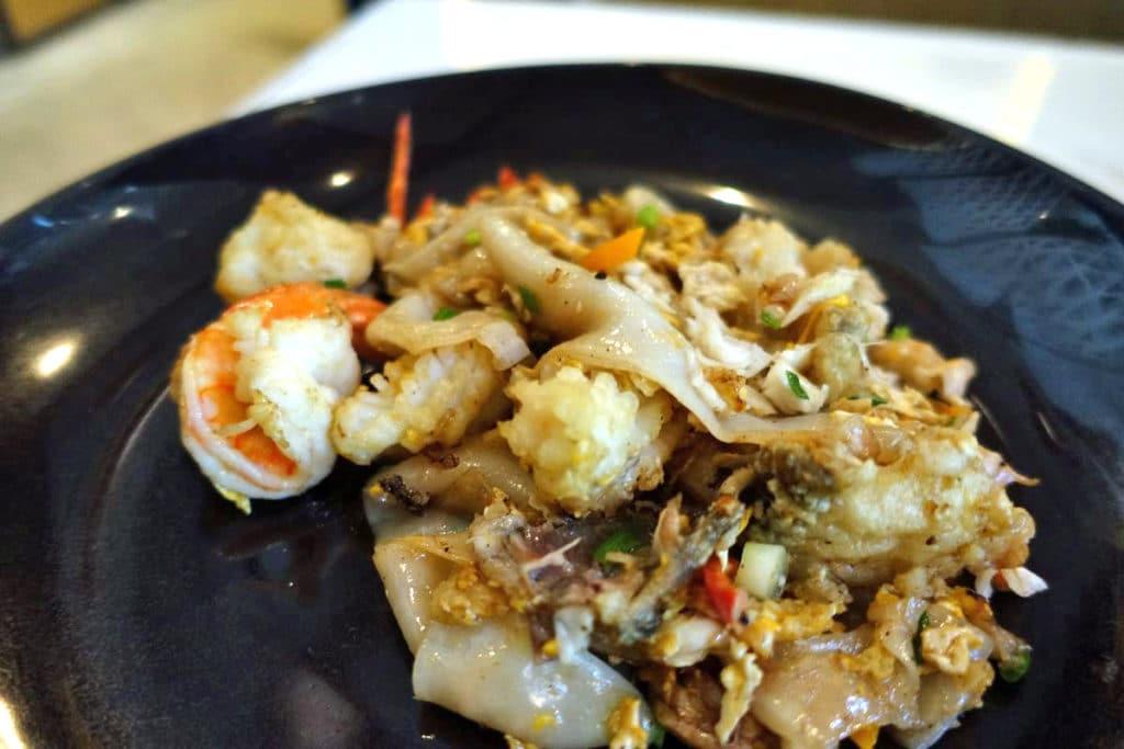 タイ家庭料理『バーン』@ルンピニー