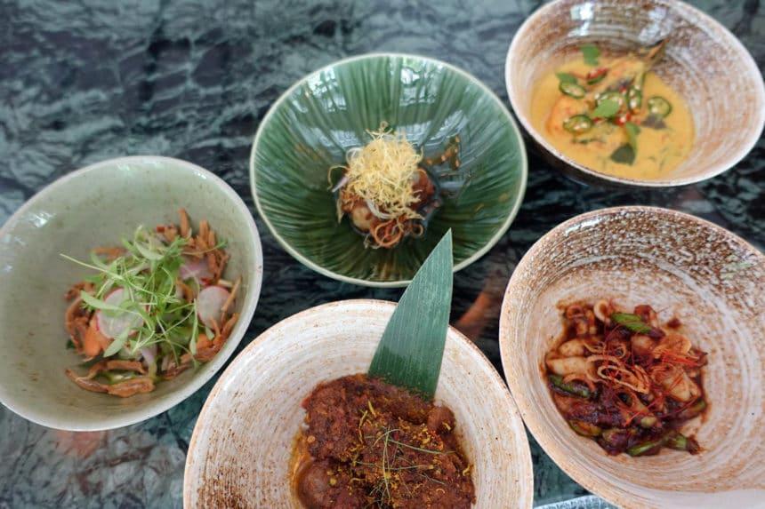シンガポール『キャンドルナッツ(Candlenut)』プラナカン料理