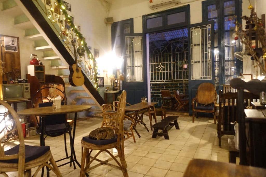 Hanoi-Cafe-The Little Plan Cafe