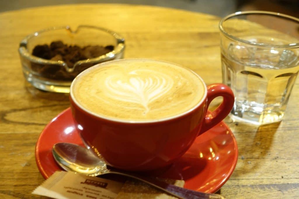 『トランキル ブックス&コーヒー』