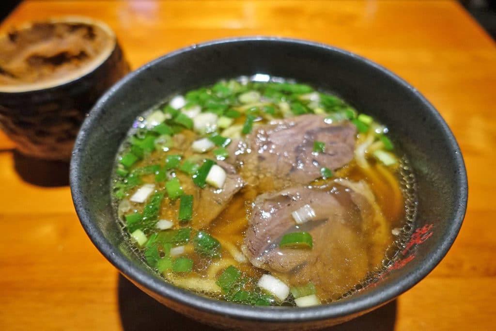 Taipei-beefnoodle-lindongfang