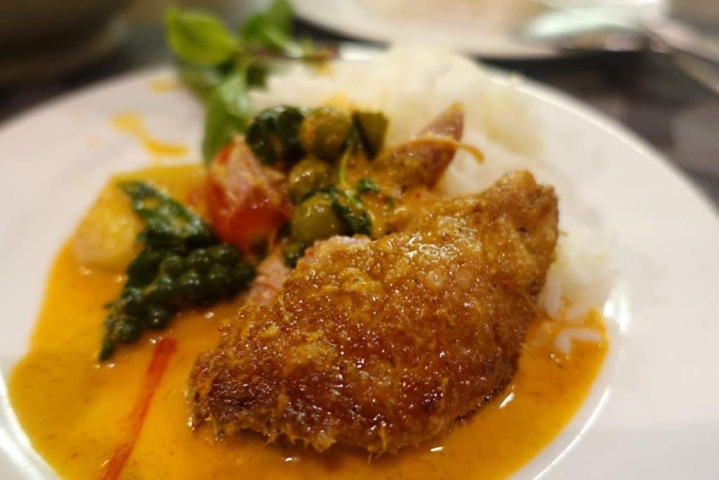 アジア・西欧フュージョン料理『スアイ レストラン』